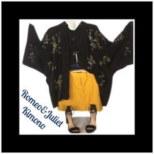 Romeo & Juliet Kimono